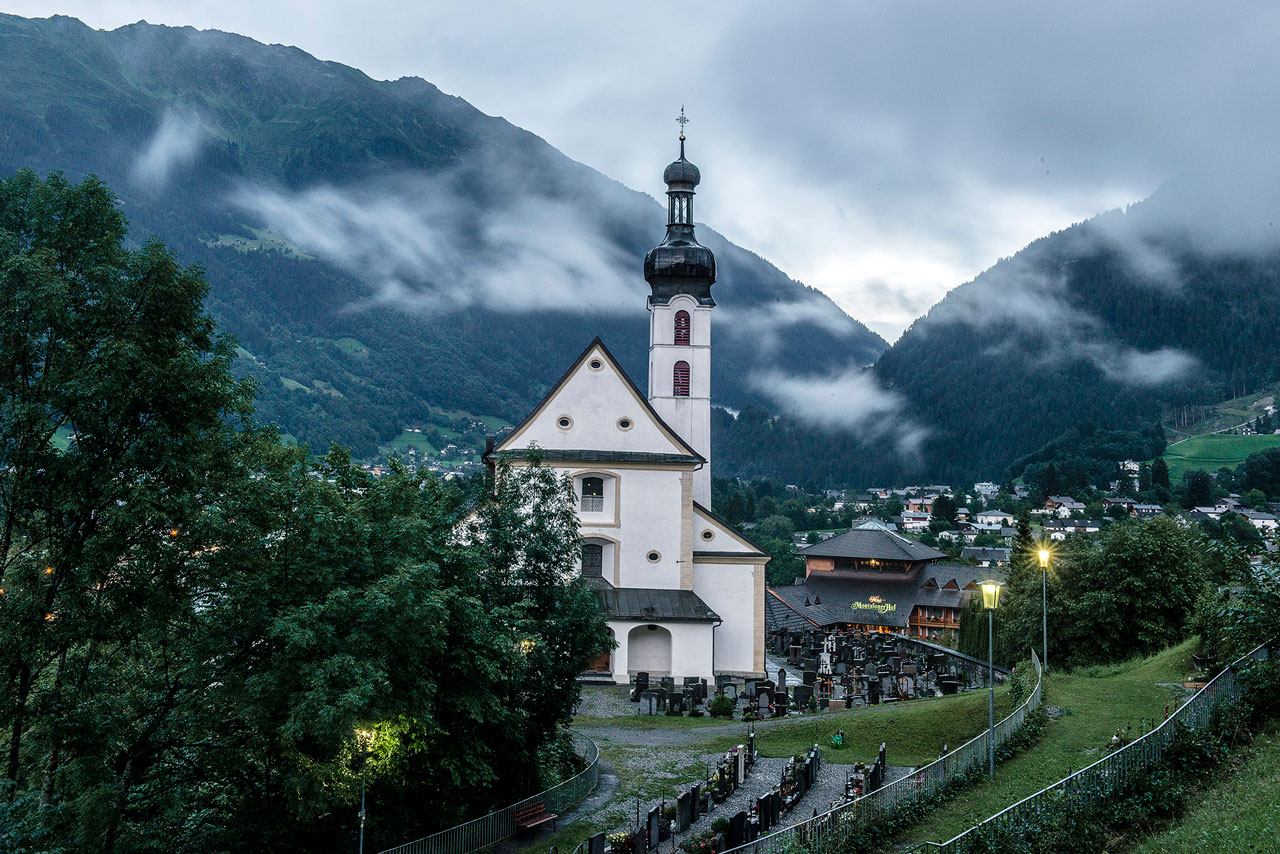 Turm der Pfarrkirche Tschagguns (Foto: Manfred Schlatter)