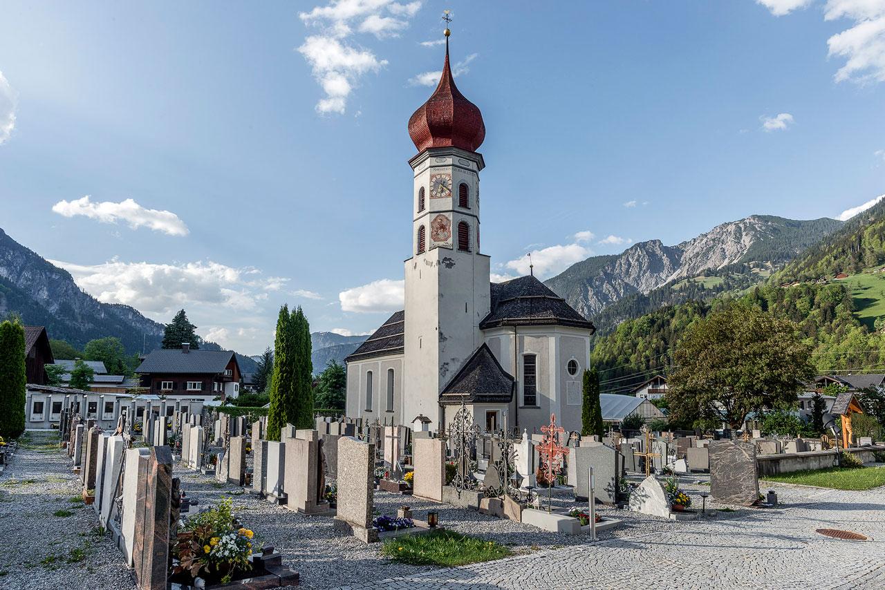Turm der alten Pfarrkirche Vandans (Foto: Manfred Schlatter)